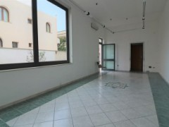 Commercial space in the new residential area of ​​Copertino with window and wide visibility - 2